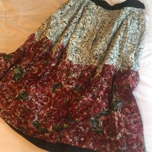 Anthropologie skirt floral with beading size 6